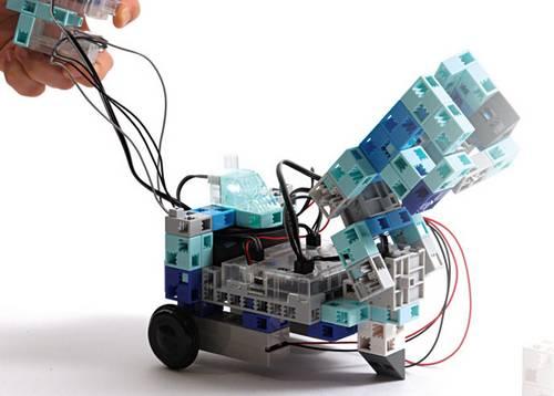 apprendre à programmer un robot à l'école